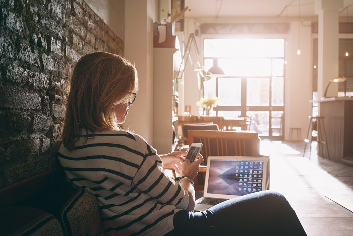 femaleblogger2