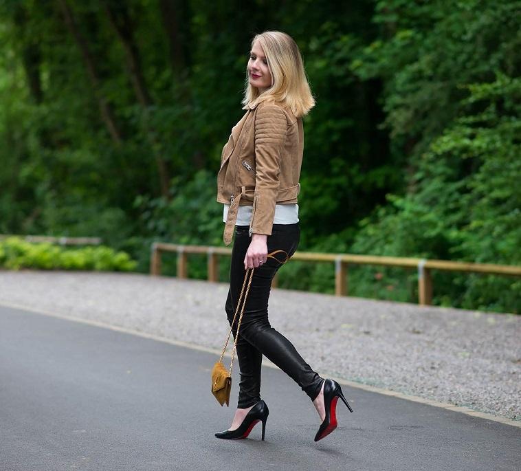 Lorna Burford - Blogger - VuelioSpotlight