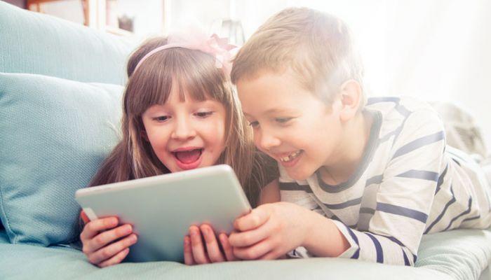 Children on tablet