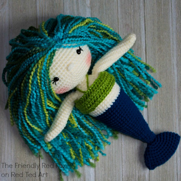 Crochet mermaid craft