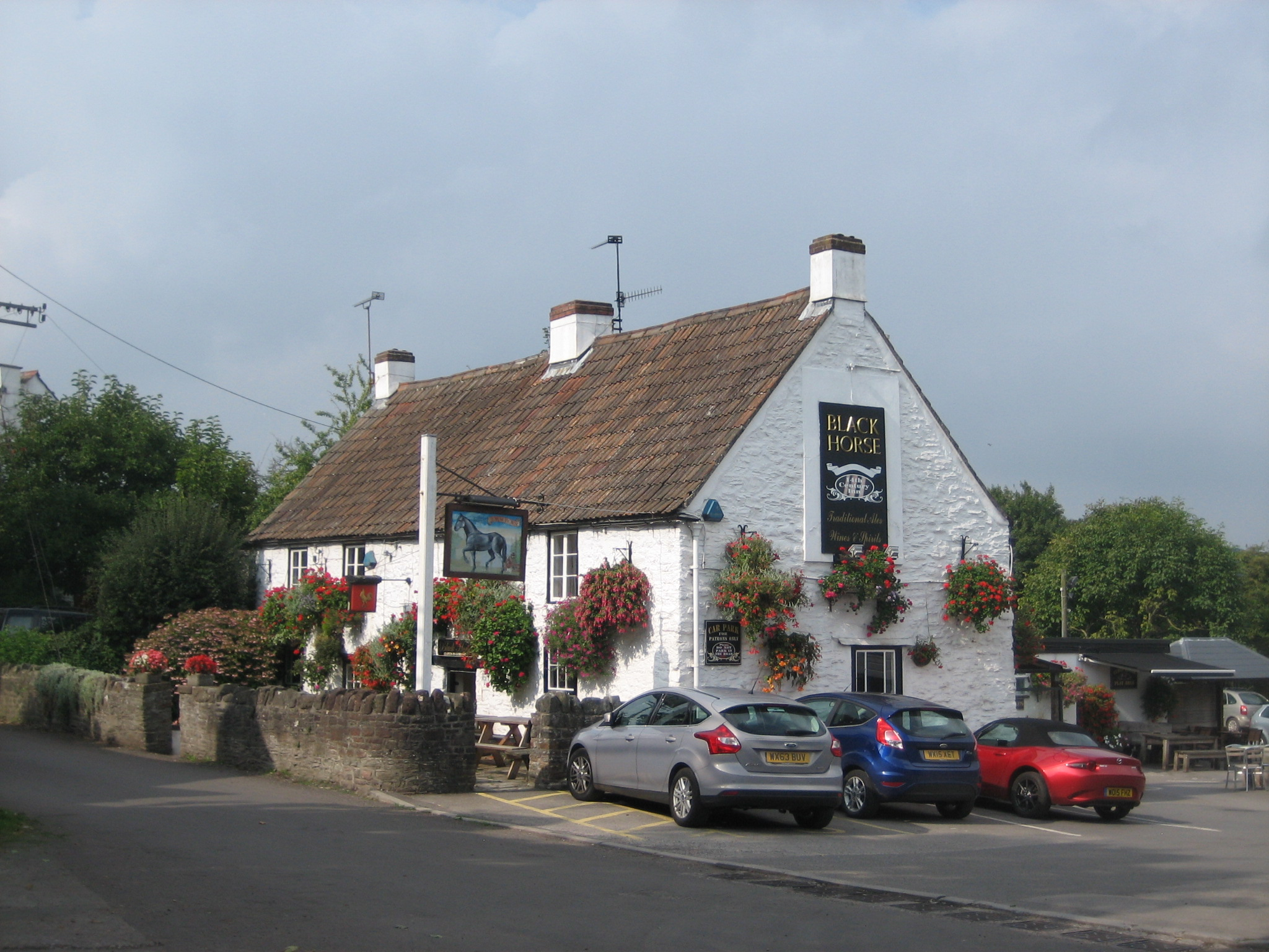he Black Horse at Clapton-in-Gordano